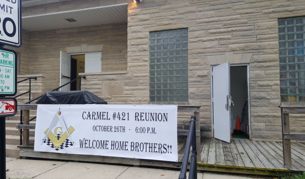 carmel-421-reunion-sign
